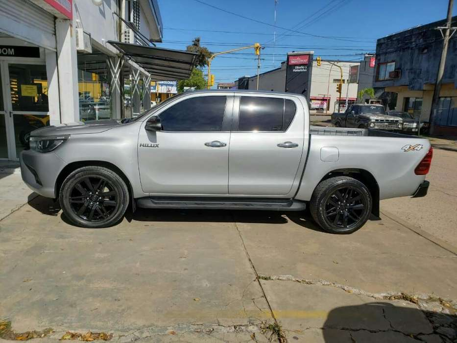 Toyota Hilux 2017 - 101000 km