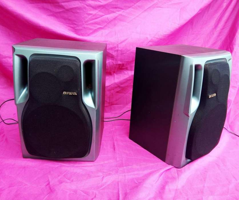 <strong>parlantes</strong> AIWA 6 OHMS
