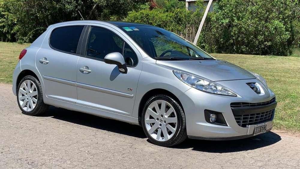 Peugeot 208 2011 - 96000 km