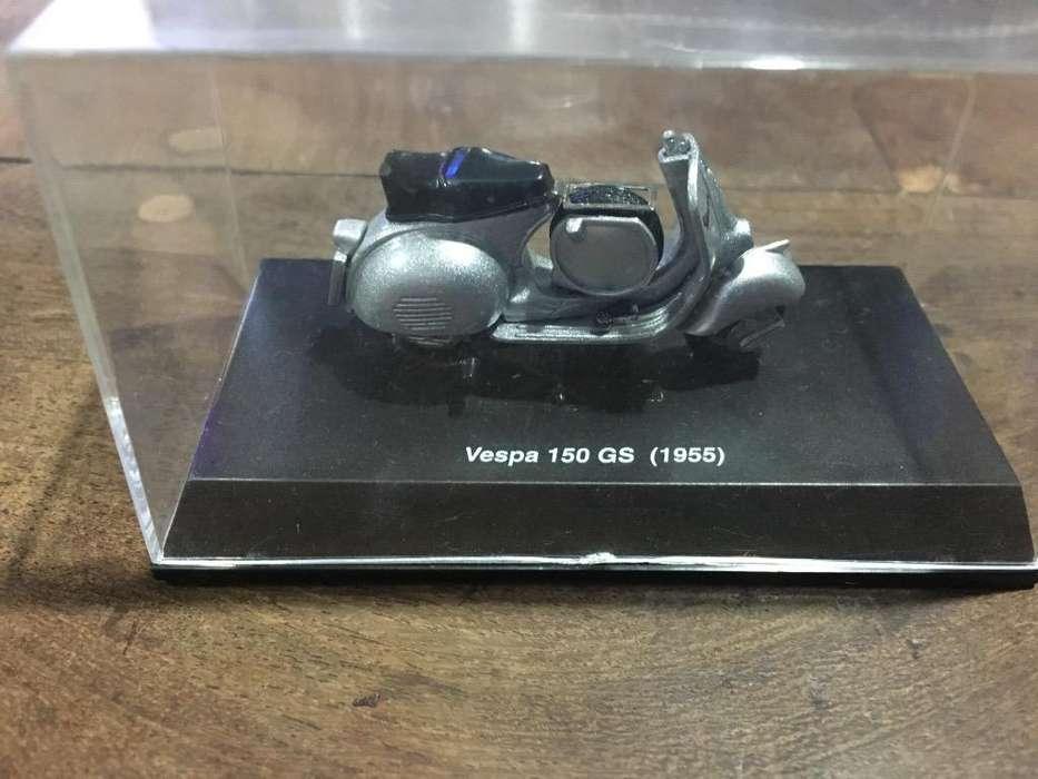 Motoneta Vespa. Miniatura.