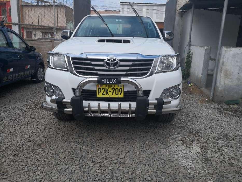 Toyota Hilux 2013 - 110000 km