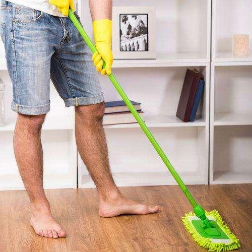 Hago trabajos de limpieza o ayudante por dia, sabados o domingos, joven peruano chamba