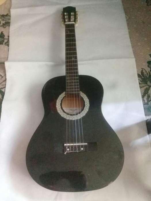 Guitarra Harmony