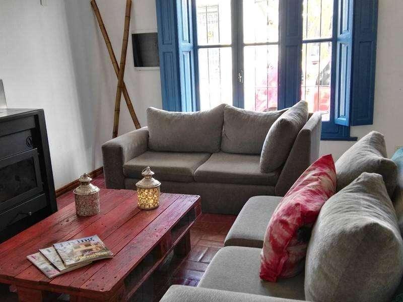 fr83 - Casa para 5 a 20 personas con pileta y cochera en Tandil