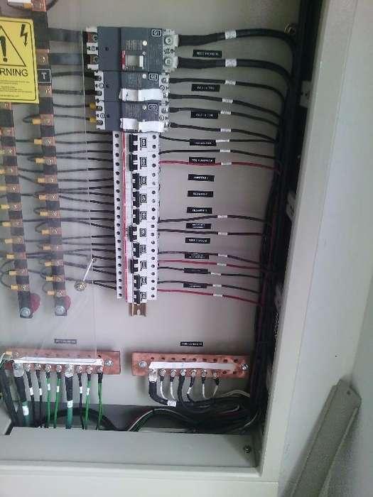 Electricista a domicilio Quito y valles 110/220 AC, punto USD 5,00