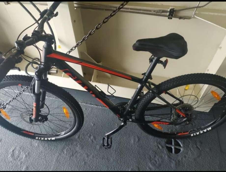 Vendo Bicicleta Todoterreno Giant 27 Vel