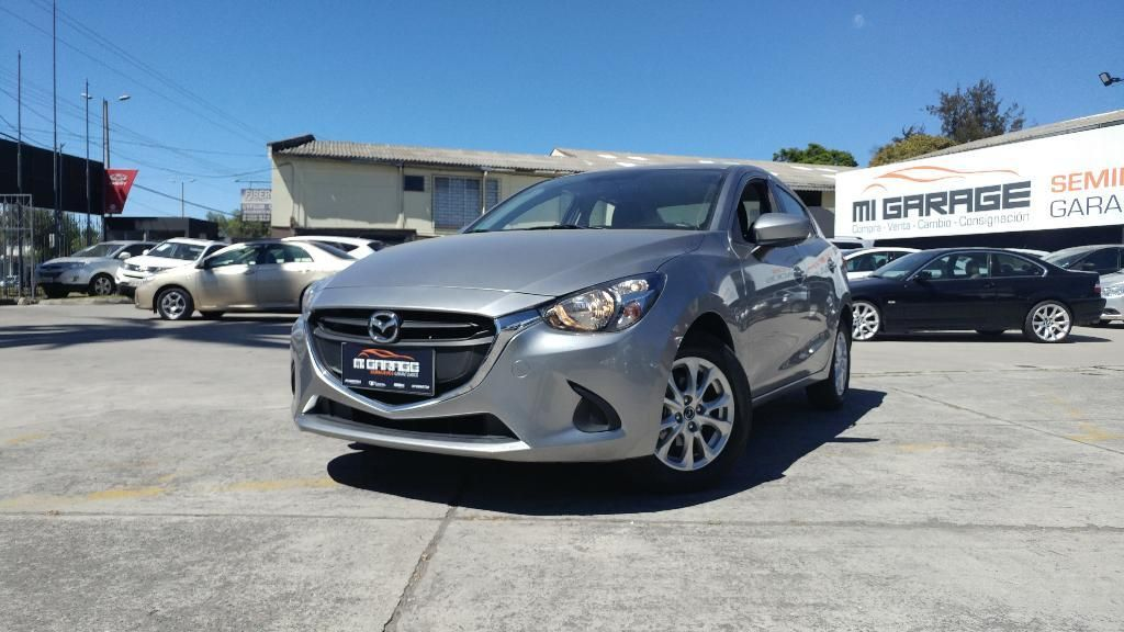 Mazda 2 Core Full 2018 - FINANCIAMIENTO