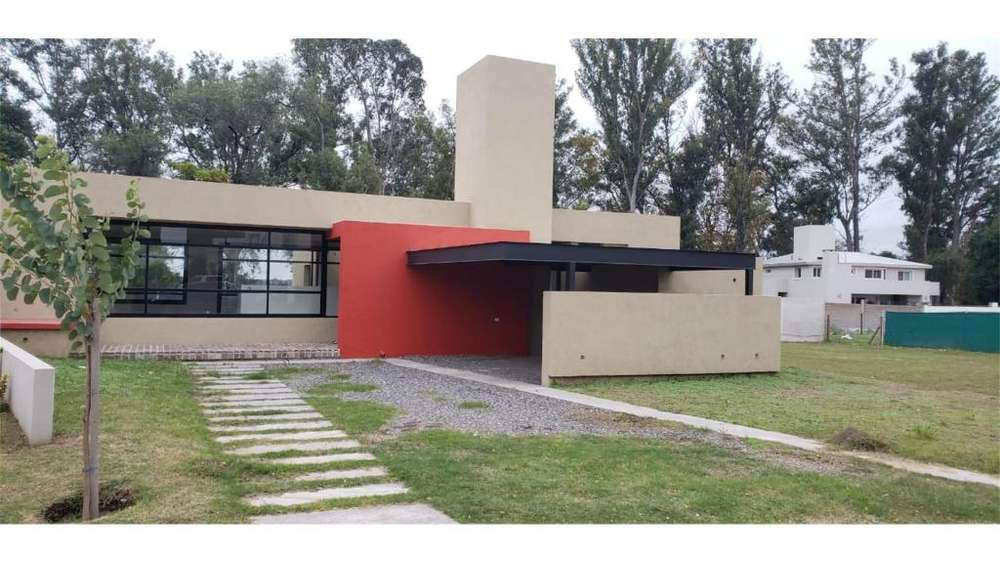 Santina Norte 300 - UD 355.000 - Casa en Venta