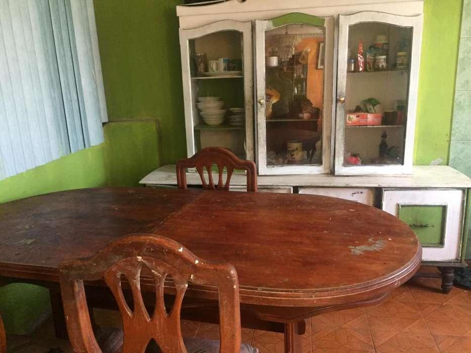 <strong>comedor</strong> de cuatro sillas mas mueble de madera para lacar y tapizar