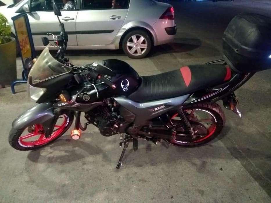 Se vende Moto <strong>yamaha</strong> SZR 150