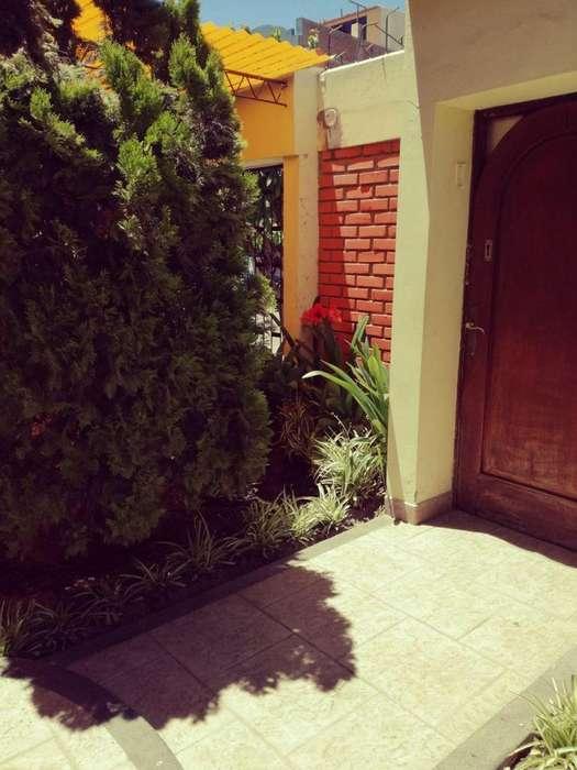 """Vendo hermosa casa en zona residencial privada de una manzana """"Panorama"""""""
