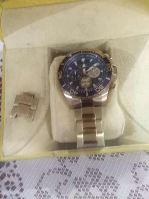 Vendo Reloj Invicta en Excelente Estado