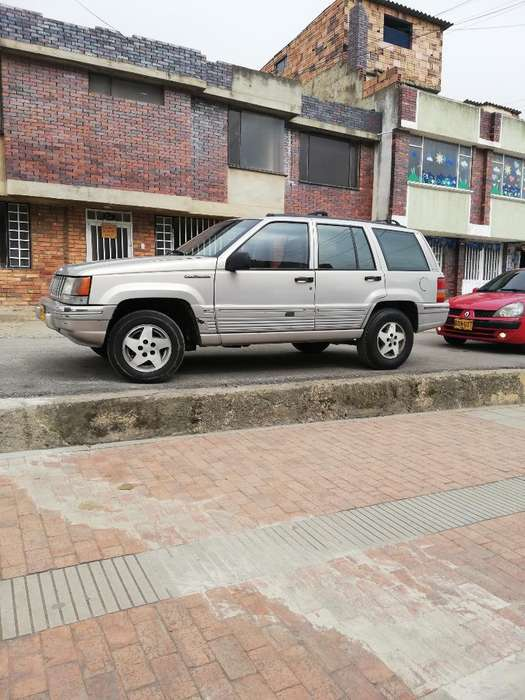 <strong>jeep</strong> GRAND CHEROKEE 1993 - 210000 km