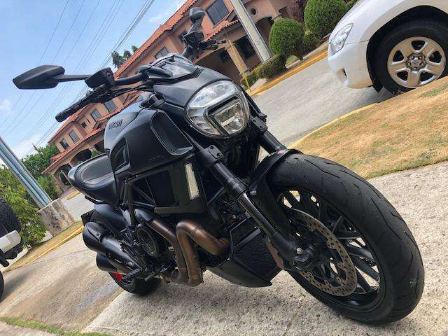 Espectacular Ducati Diavel