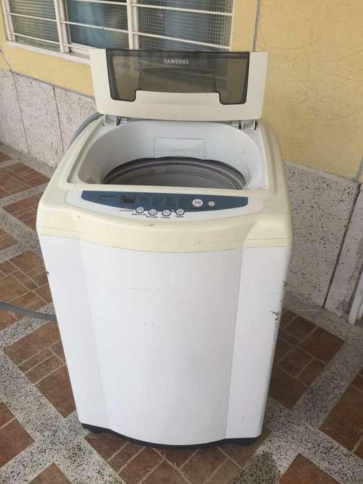 Lavadora Samsung de 25 Libras