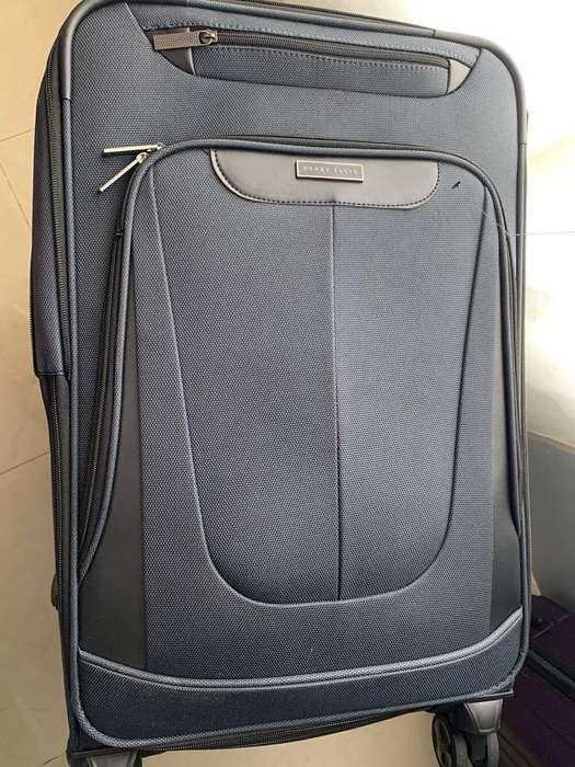05c519b11 <strong>maleta</strong> Perry Ellis