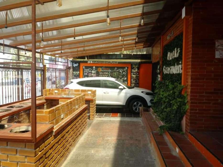 Venta o arriendo de casa rentera con locales comerciales sector plaza fosch.