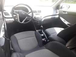 Vendo Hyundai I25 Modelo 2015 1400cc