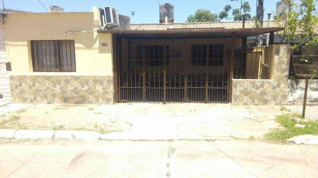 VENDO propiedad en el barrio villa don enrique 10x30