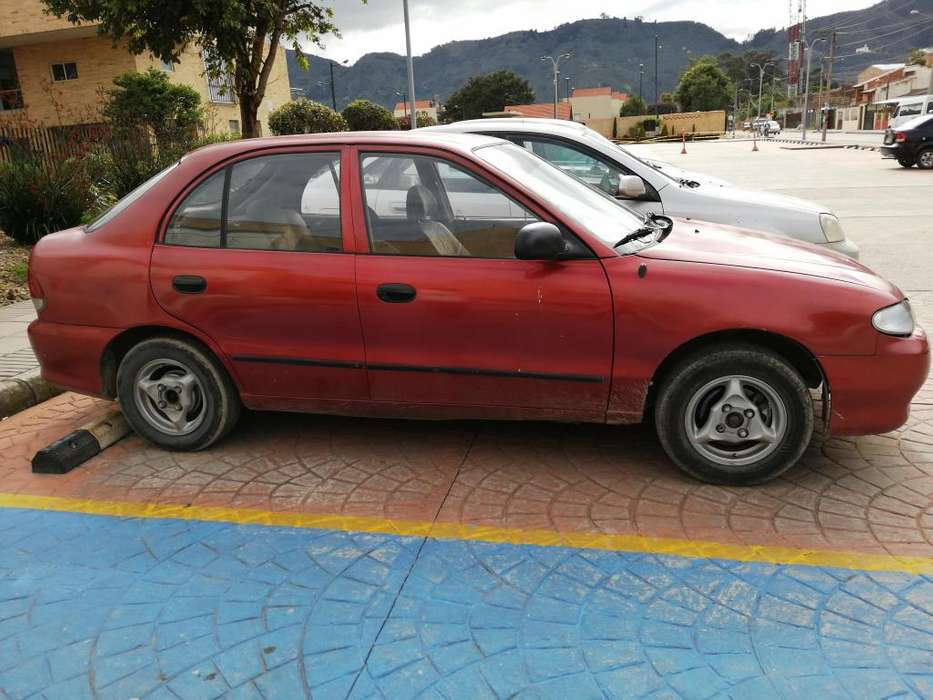 <strong>hyundai</strong> Accent 1998 - 10000 km