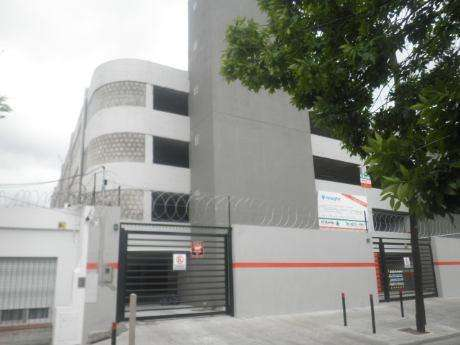 Cochera en alquiler en Quilmes Residencial