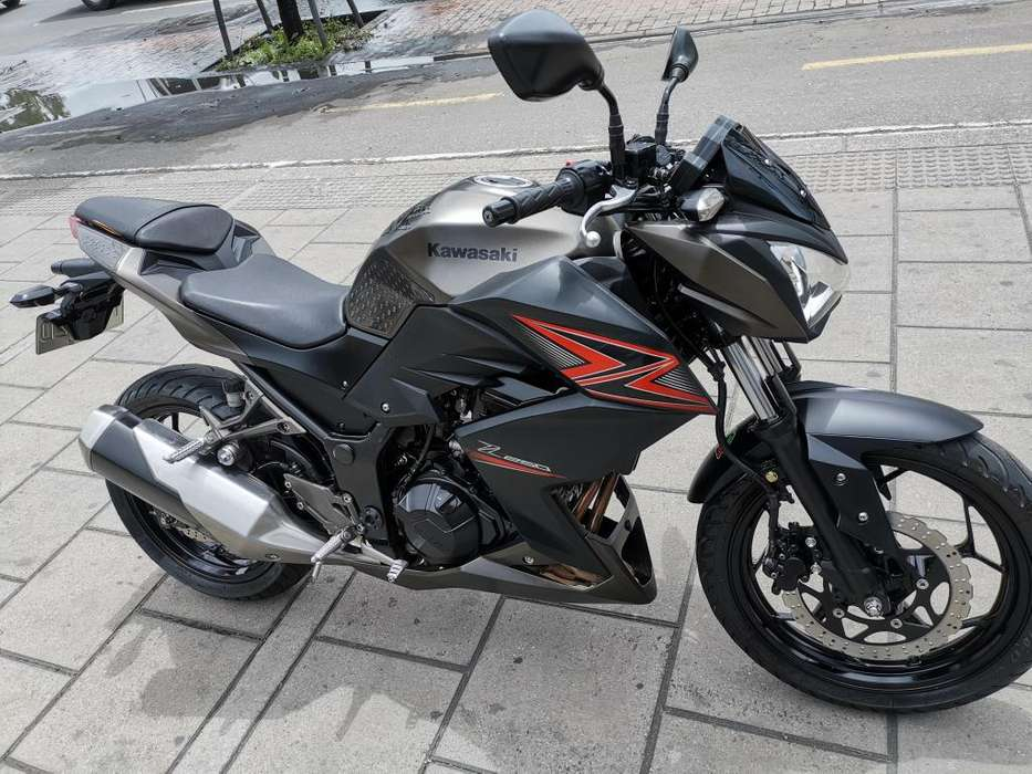 Moto <strong>kawasaki</strong> Z 250