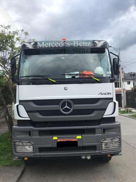 Volqueta Mercedes Benz Axor 3344 2010 Lista para trabajar