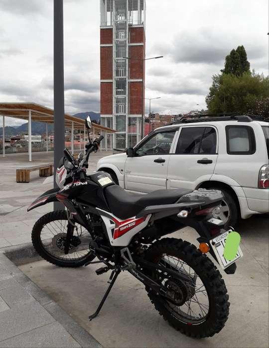 Moto Dytona Como <strong>nueva</strong>