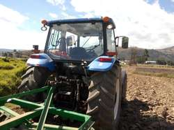 VENDO TRACTOR AGRICOLA NEW HOLLAND