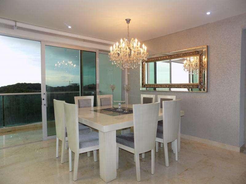 Apartamento En Venta En Barranquilla La Castellana Cod. VBARE81401