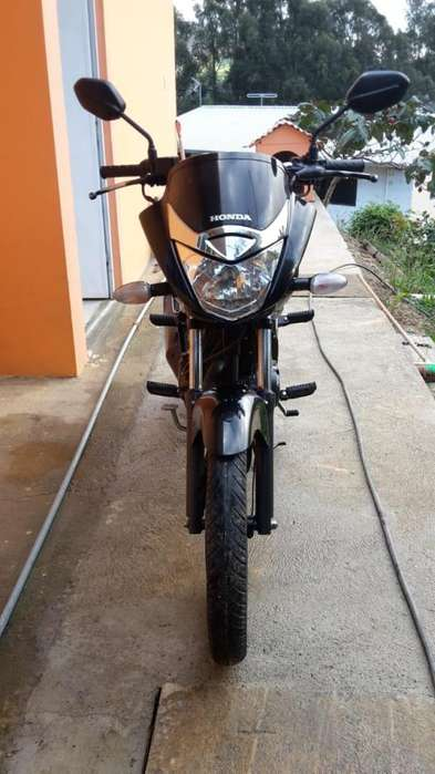 SE VENDE FLAMANTE MOTO MARCA <strong>honda</strong> UNICONR MOTOR 150 AÑO 2013 KILOMETRAJE 21.000