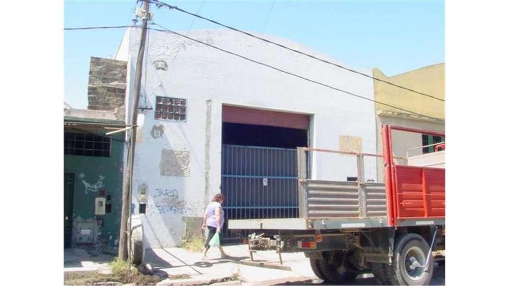 Suipacha 1300 - UD 280.000 - Galpón en Venta