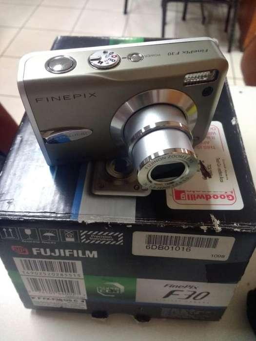 Cámara Fujifilm F30