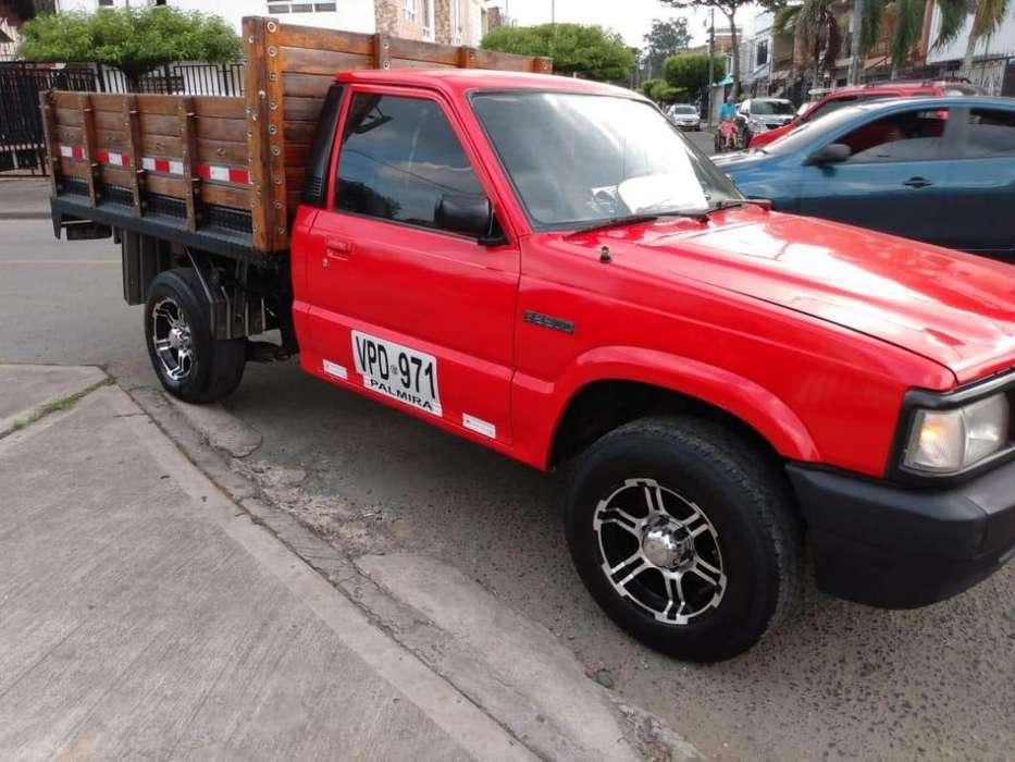 mazda b2200 1997 estacas