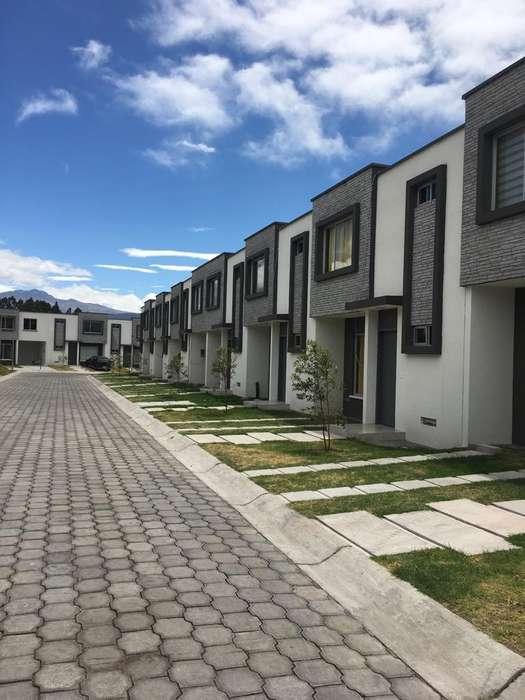 Vendo Casa en Sangolquí, Inchalillo