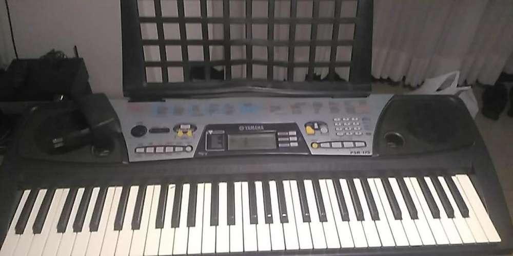 PIANO YAMAHA BARATO