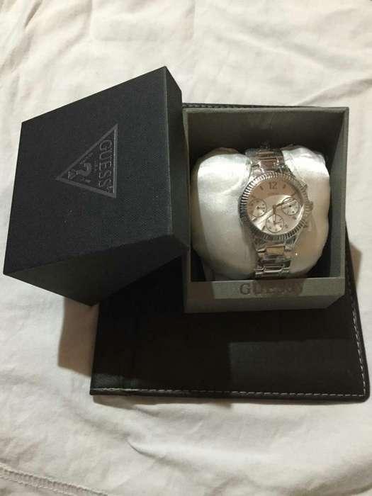 d1ab9a3e5b47 Vendo Reloj para Dama Marca  strong guess  strong  Origin