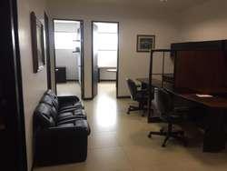 Venta de Oficina Edifcio Las Cámaras 800m2, cerca del Hotel Hilton Colon, Kennedy Norte, Norte de Guayaquil
