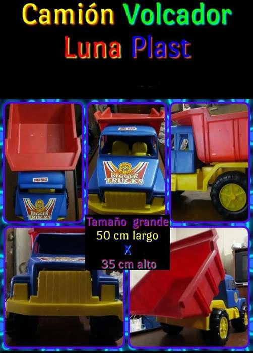 Camión con Volquete Grande