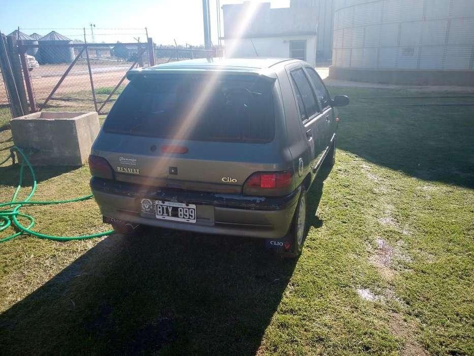 Renault Clio  1997 - 32483 km
