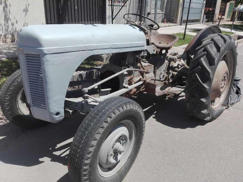 <strong>tractor</strong> ferguson