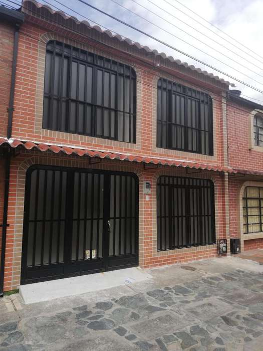 ARRIENDO <strong>casa</strong> CON GARAJE EN EL BARRIO ONZAGA