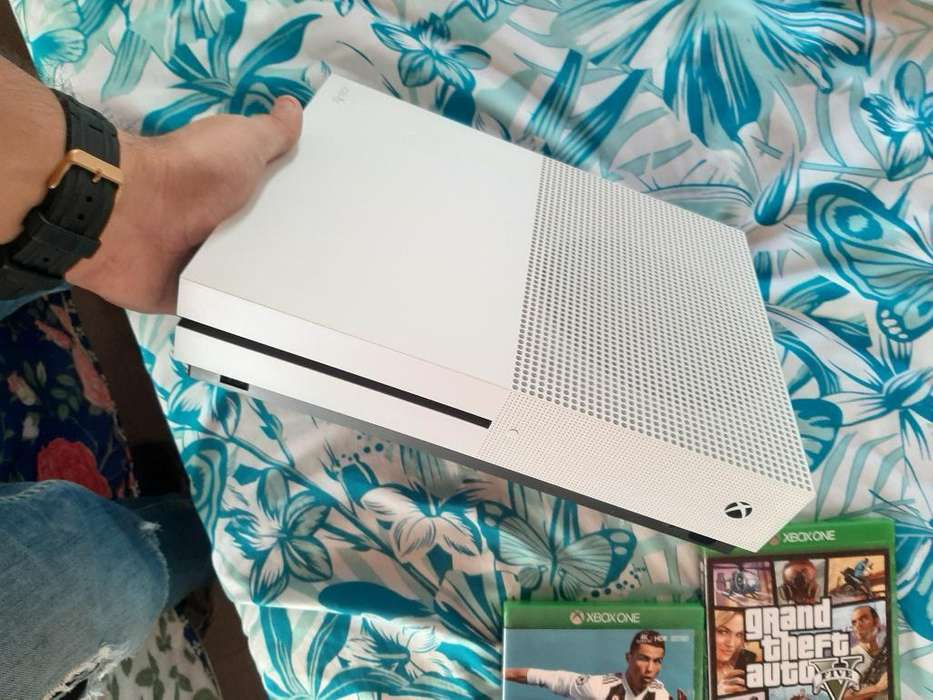 Vendo Xbox One S 500gb O Cambio por Ps4