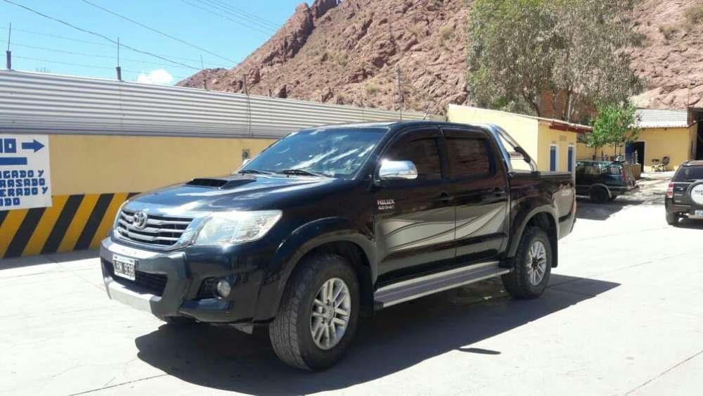 Toyota Hilux 2012 - 120000 km
