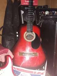 Guitarra Criolla Electroacústica de Pino