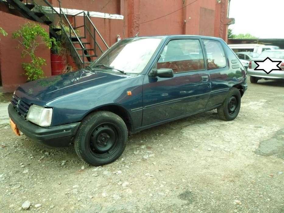 Peugeot 205 1998 - 100000 km