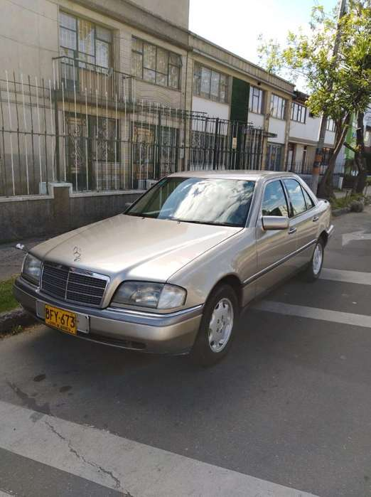 <strong>mercedes-benz</strong> Clase C 1995 - 210000 km