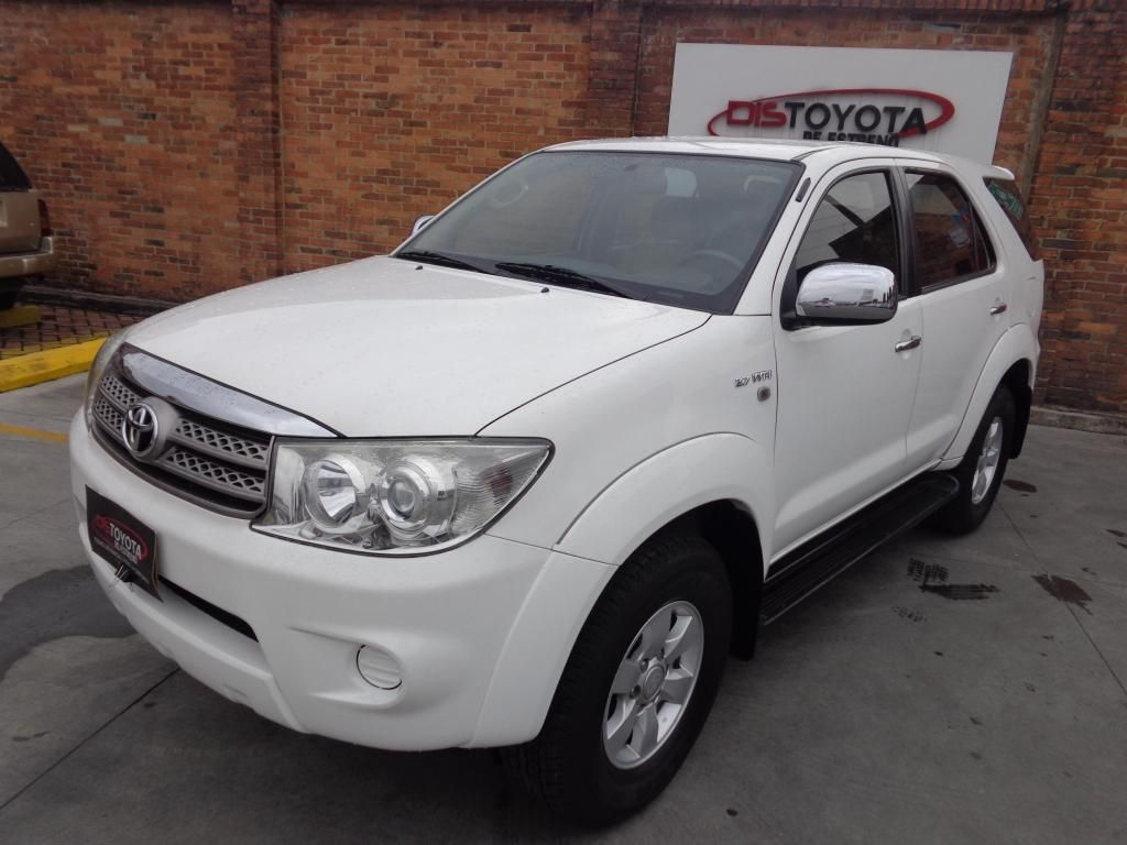 Toyota Fortuner Automatica 4x2