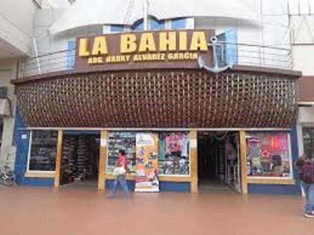 Se vende local, en el centro comercial la bahía de machala