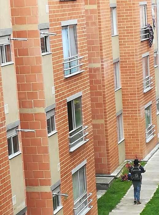 Arriendo apartamento amoblado independiente a policias
